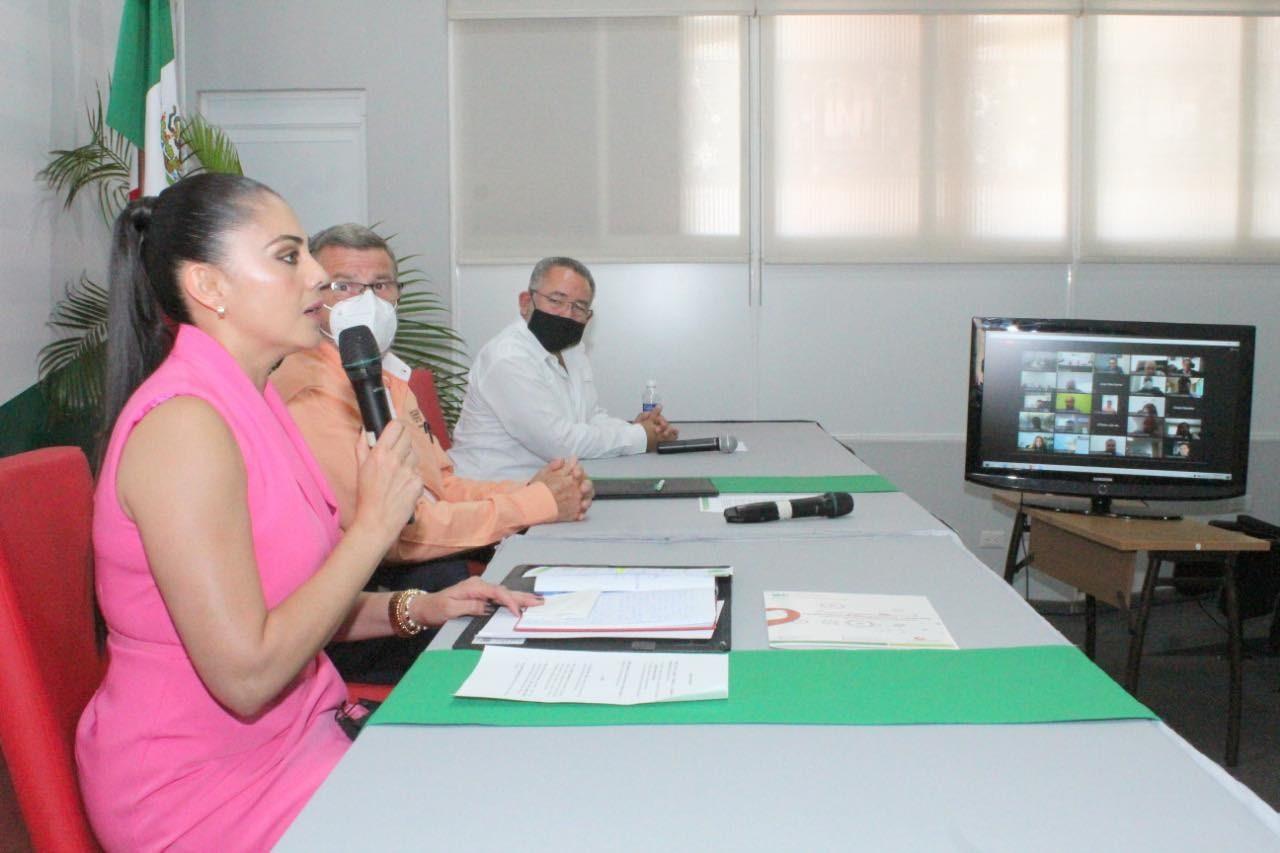 Personal de SESAECH recibe certificados del Instituto de Administración Pública de Chiapas